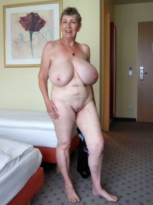Rome mature escort in Regenstauf, BY